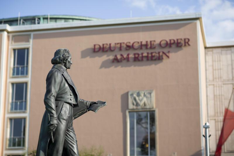 Deutsche oper am rhein programm